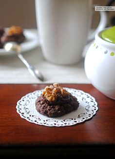 Hace años que conozco estas galletas, llegaron a mi repertorio culinario bajo su exótico y original nombre de Afghan biscuits. Su origen nos tras...