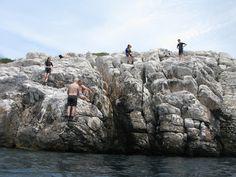 Diving Center in Nea Makri Cliff Diving, Mount Rushmore, Mountains, Nature, Travel, Naturaleza, Viajes, Destinations, Traveling