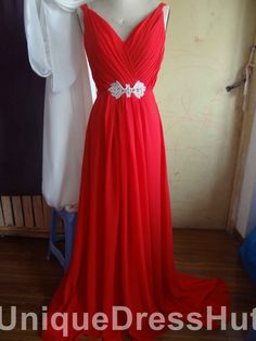 Cheap Sale Custom Made Straps Elegant New arriival A-line V-neck Chiffon Long bridesmaid dress Red prom gown evening dresses With Beads2013