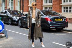 STYLE DU MONDE / London SS 2018 Street Style: Caroline Daur  #Fashion, #FashionBlog, #FashionBlogger, #Ootd, #OutfitOfTheDay, #StreetStyle, #Style