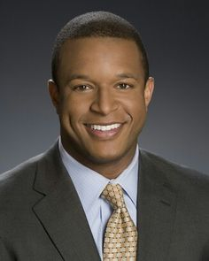 MSNBC/ Craig Melvin---commentator for the anniversary MLK March on Washington. He was quite modest--I've been listening for some hours and never have heard him identify him-self !--He did a fantastic job on Saturday. Beautiful World, Beautiful Men, Beautiful People, Martin Luther King, Mlk March On Washington, Craig Melvin, Afro, African American News, Black Roots