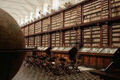 BIBLIOTECHE IN ITALIA -La biblioteca Casanatense fu istituita dai padri domenicani del Convento di S. Maria sopra Minerva a Roma, negli anni venne arricchita di acquisti attinenti agli studi di diritto romano, di economia e sulla città di Roma.