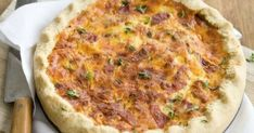 Φτιάχνουμε βήμα βήμα ανοιχτή πίτα με τυριά κι αλλαντικά (Εικόνες) Quiche, Cooking, Breakfast, Food, Kitchen, Morning Coffee, Eten, Quiches, Meals