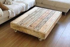 pallet-table-on-wheels
