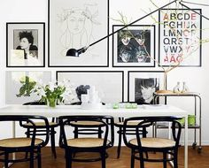 White Eclectic Dining Room Vintage Style Using Art Printing Poster Decoration In Wall Cool small home design white interior for one person Interior Design, Home decoration Decor, Interior, Family Dining Rooms, Interior Inspiration, Apartment Interior, Modern Dining Room, House Interior, Eclectic Dining Room, Vintage Dining Room