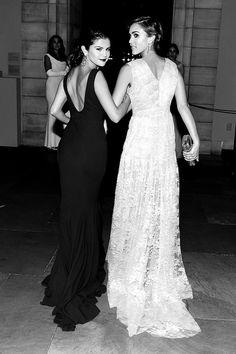 Selena Gomez with twilight star Nikki Reed(:
