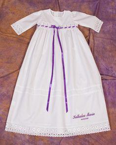 HERZLICH WILLKOMMEN  liebe Mamis,Papis ,Taufpaten und alle lieben Dawanda-Mitglieder  -sehr aufwendig verarbeitetes Familientaufkleid nach traditioneller Art hergestellt  Im Set...