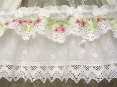 Shabby chic Rose Landhausgardine Vintage grün 152 from bluebasar by DaWanda.com