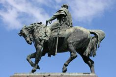 Uruguay Rundreisen - Jetzt Urlaub buchen!  Tai Pan Horse Anatomy, Lion Sculpture, Horses, Statue, Art, Uruguay, Yellow Fever, Native Americans, Travel Destinations
