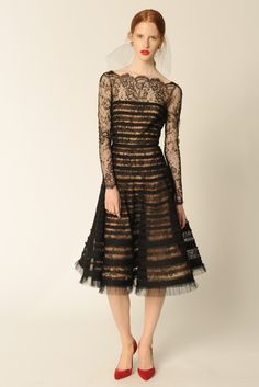 Oscar de la Renta - Resort 2014. This is the prettiest lace dress I've seen in a while - totally gorge