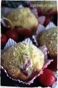 """*MUFFINS CON CILIEGIE E MANDORLE* inutile cercare di resistere, nessuno riuscirà a mangiarne solamente uno dopo averli assaggiati!  PER LA RICETTA CLICCA QUI ---> http://ilnuovopiaceredeisensi.altervista.org/muffins-con-ciliegie-mandorle/ *TRANSLATE BUTTON INSIDE* Se ti piace questa ricetta /if you like this recipe, please ✔ Like ✔ """"Share"""" ✔ Comment ✔ Repost ✔Friend/follow Thank You! <3 #cherries   #ricettadelgiorno #buongiorno   #italianstyle  #receta   #ilpiaceredeisensi…"""