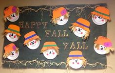28 Awesome Autumn Bulletin Boards to Pumpkin Spice Up Your Classroom – Bored Teachers The Fall season is officially underway! Time to take down your Back-to-School decorations and replace them with some Autumn-themed fun. Thanksgiving Bulletin Boards, November Bulletin Boards, Kindergarten Bulletin Boards, Summer Bulletin Boards, Christmas Bulletin Boards, Halloween Bulletin Boards, Birthday Bulletin Boards, Toddler Bulletin Boards, Fall Classroom Decorations