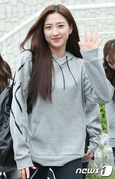 Cheng Xiao, Cosmic Girls, Starship Entertainment, Casual Wear, Hair Makeup, Idol, Hairstyle, Lady, How To Wear