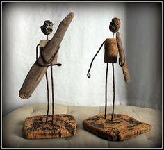 Mutoz inc. Art en bois flotté: décembre 2013 Driftwood Wall Art, Driftwood Projects, Driftwood Sculpture, Wooden Sculptures, Cuadros Diy, Rustic Art, Nautical Art, Wooden Art, Beach Crafts