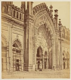 Beautiful Architecture :  Jumina Musjid Gate, Lucknow, India (1858) by Felice Beato (English, born Italy, 1832 - 1909) | credit : getty.edu.com