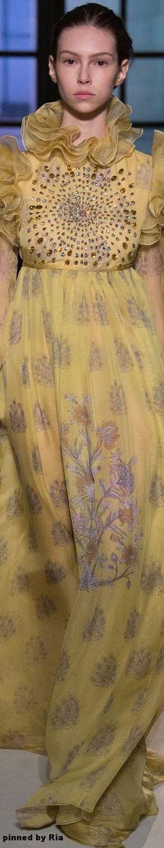Giambattista Valli Spring 2017 Couture l Ria
