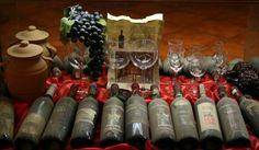 Bottiglie dove dentro riposa Il Brunello di Montalcino da oltre cinquanta anni