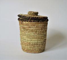 Rustic Kožený pletený košík Canisters, Laundry Basket, Wicker Baskets, Egypt, Handmade, Home Decor, Homemade Home Decor, Interior Design, Home Interiors