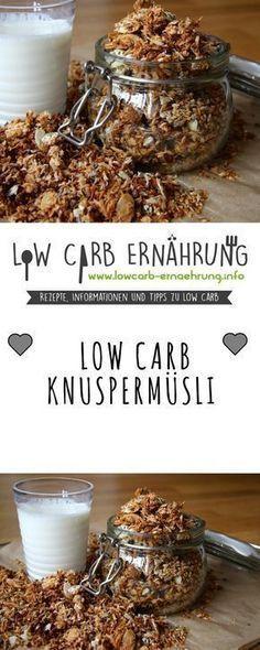 Low Carb Rezept für ein leckeres, Knuspermüsli mit wenig Kohlenhydraten und ohne Zucker. Low Carb, zuckerfrei und einfach und schnell zum Nachkochen. Perfekt zum Abnehmen.