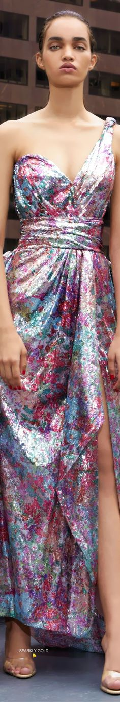Prabal Gurung Resort 2020 #PrabalGurung #Resort2020 #Runway #SparklyGold Thornton Bregazzi, Just Be Happy, Pin Logo, Prabal Gurung, Floral Fashion, Runway, Formal Dresses, Flowers, Gold
