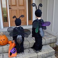 Firefly Costume: DIY Lightning Bug Idea for Halloween-Make a lightning bug or firefly costume for kids with this sewing tutorial. The DIY wings light up to keep children safe on Halloween night. Sibling Halloween Costumes, Diy Halloween Costumes For Kids, Halloween Bags, Diy Costumes, Halloween Night, Halloween Ideas, Bug Costume, Firefly Costume, Diy Mermaid Tail