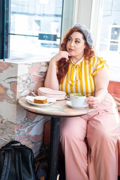 New year, new obsession and 2019 is all about the trouser. Thanks to my tried and true, Torrid, I found the pink trousers of my dreams! I feel like I've been asking for pastel, wide legged pa… Fat Fashion, Women's Summer Fashion, Curvy Fashion, Autumn Fashion, Womens Fashion, Fashion Hats, Fashion Dresses, Fashion Trends, Plus Size Fall