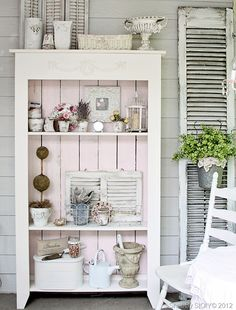 Love the shelving and the shutters