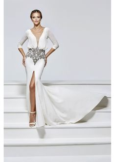 Tarik Ediz prom dresses are individually crafted and manufactured so you can be sure you are wearing a one of a kind gown. Find your favorite Tarik Ediz. Prom Dresses 2017, Formal Dresses, Wedding Dresses, Pageant Gowns, Glamour, Gowns Online, Bustier, Designer Gowns, The Dress