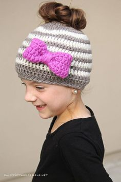 After she saw my messy bun hat, my 6 year old wanted in on the action. Not only that, but many people have asked for a smaller size for kids. So, here it is! If you haven't seen it, check out the adul