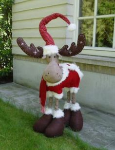 Sewing christmas gifts homemade 27 Ideas for 2019 Christmas Moose, Christmas Sewing, Primitive Christmas, Simple Christmas, Christmas Crafts, Christmas Ornaments, Country Christmas Decorations, Xmas Decorations, Holiday Decor