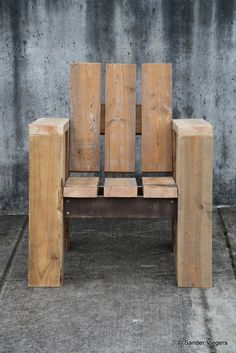 Gallery   2x4 CHAIR