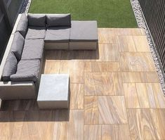We always love to see how our customers have used our products, and this patio space featuring our Rainbow Sawn Sandstone looks great! Currently just in our End of Season Sale! Sandstone Paving Slabs, Paving Stone Patio, Slate Patio, Patio Slabs, Garden Paving, Garden Landscaping, Patio Kits, Patio Ideas, Back Garden Design