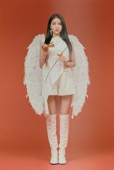 Cute Korean Girl, South Korean Girls, Korean Girl Groups, Gfriend Sowon, G Friend, Meme Faces, Photo Book, Kpop Girls, Female Bodies