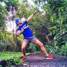 Se não for pra fazer a foto do Bolt depois de morrer no treino intervalado eu NEM VOU!  . Bom dia runners!! Treino intervalado extensivo hoje! 7x 800m com as pernas pesando 3 toneladas!! . E por aí!? Como tá a sexta?? Preguiça ou Treinão?!? Vamooooooooo!!!! . #rumoAPoa2017 #acordapracorrer #focanacorrida #rwbrasil #marcelocamargotreinamento #correrecompartilhar #brasilrunners #runitfast #euatleta #marathon #vccorrendo #corredoresamigos #viciadosemcorridaderua #endorfina #foco…