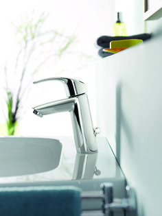 Pinpoint angling and a pristine finish make this Eurosmart basin mixer a pleasure to use time after time. Design nous and top-quality craftsmanship guarantee comfort and usability. #basin #mixer #single See more at http://www.grohe.co.uk/en_gb/bathroom-collection/mixer-taps-eurosmart.html