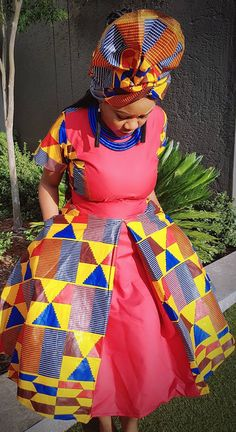 Kente straight dress with scarf and beads combination African Print Fashion, African Fashion Dresses, Fashion Prints, African Outfits, Women's Fashion, African Prints, African Wear, African Dress, Kente Dress