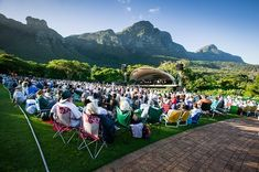 5 Top-Rated Tourist Attractions in Cape Town - Tourism Guide Africa Cape Town Tourism, Melbourne, National Botanical Gardens, Park Around, Big Garden, Local Parks, Summer Sunset, Shows, Parks And Recreation