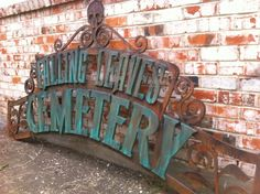 Cemetery Arch Tutorial - for above the garage (with columns on the side of the house? This'll have to be BIG. Halloween Prop, Halloween Fence, Halloween Tombstones, Halloween Graveyard, Halloween Haunted Houses, Halloween Signs, Holidays Halloween, Halloween Forum, Haunted Mansion