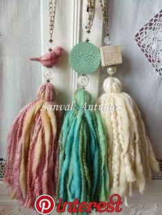Resultado de imagen para sujeta cortinas borlas What great tassel,, made from wool roving and lumpy thick yarns. I love that clay bird bead a lot,too ^. Diy Tassel, Tassel Jewelry, Fabric Jewelry, Tassels, Jewellery, Diy Laine, Diy And Crafts, Arts And Crafts, Craft Projects