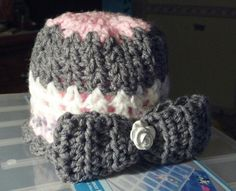 Infant hat with bow $7.50