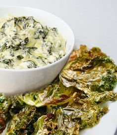 Don't draw a penalty flag for unsportsmanlike snacking. Check out our lighter take on a Spinach & Artichoke dip with Kale chips that's primed and ready for game day. Healthy Movie Snacks, Healthy Bedtime Snacks, Healthy Recipes, Healthy Breakfasts, Protein Snacks, High Protein, Ideal Protein, Healthy Dinners, Diet Recipes