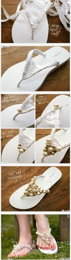 Para as noivinhas que gostam de um chinelinho, um DIY super bacana!         via