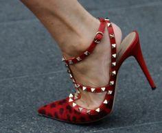 Sapatos que arrasam nas calçadas de NY #fashion #moda #shoes #sapatos http://vilamulher.terra.com.br/moda/estilo-e-tendencias/os-sapatos-das-calcadas-de-ny-cp-14-1-32-2788.html