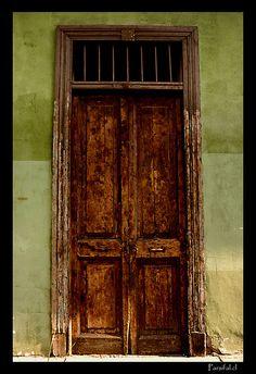 old wooden door Barrio Bellavista, Santiago by marleis Old Wooden Doors, Old Doors, Windows And Doors, House Quilt Block, House Quilts, Quilt Blocks, When One Door Closes, Old Antiques, Closed Doors