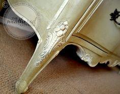 Vintage dresser in Chalk Paint® decorative paint by Annie Sloan Versailles and…