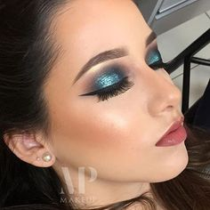 """In love!!! 💎😍💕 @michellypalmamakeup @michellypalmamakeup @michellypalmamakeup 💕💎💕💎 #amazing #auroramakeup #anastasiabeverlyhills #beauty #beautiful  #eyes…"""