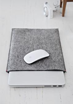 Only Deco Love: Felt Sleeve case the perfect Macbook companion