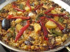 Este arroz también lo podemos hacer en cazuela de barro al horno. Es uno de mis preferidos. Hay tantas variantes como tipos de cocido, ya qu... Colombian Cuisine, Spanish Kitchen, Empanadas, Sin Gluten, Couscous, International Recipes, Vegetable Recipes, Risotto, Tapas