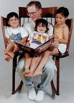 Want This New Innovation? Storytime Rocker, The Gift For The Awesome Dad