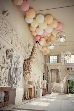 I want a large lifelike giraffe in my house. Because giraffe. - kids room ???